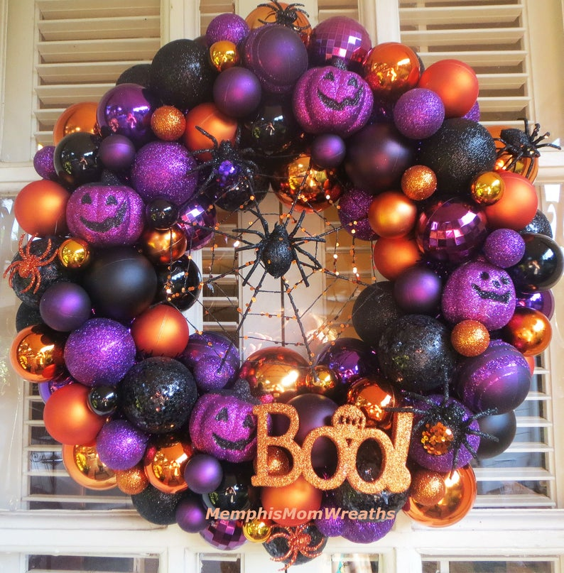 Black spider and pumpkin holiday wreath